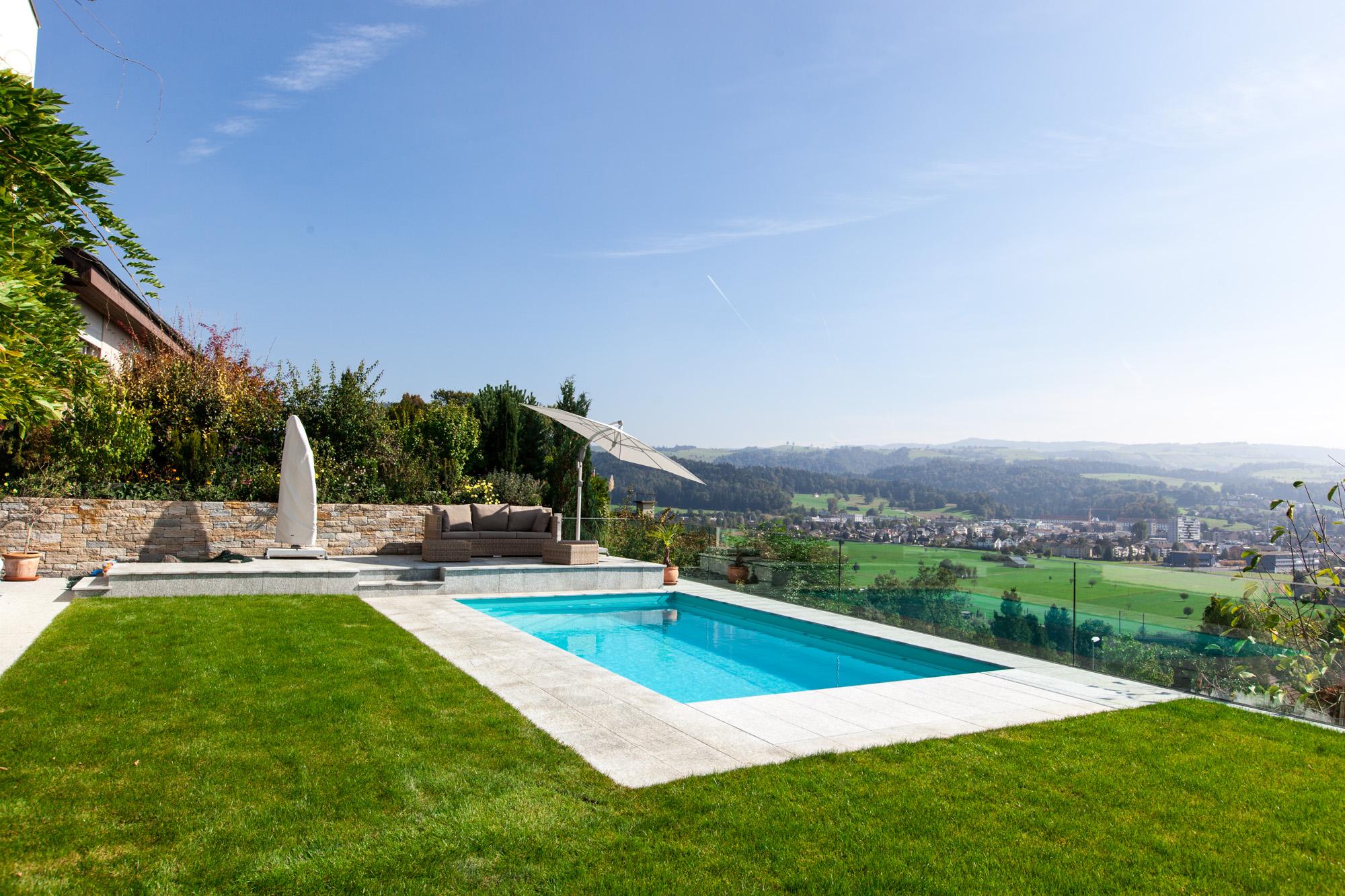 EFH Aberenrain mit Pool